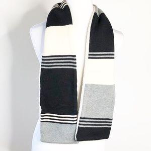 Gap Fleece & Knit scarf Ellen Degenerous ED